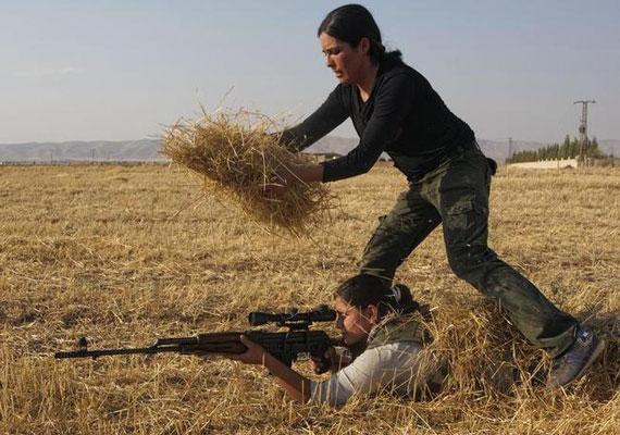 A kurdok Irán, Irak, Szíria és Törökország területén élnek. Bár nagyjából egy 30 millió fős népről beszélünk, saját országgal nem rendelkeznek. Önállóságukért és jogaikért ezért folyamatosan meg kell küzdeniük egy folyamatosan konfliktusokkal terhelt régióban.