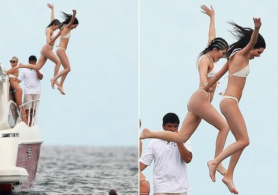 A lányok a hajóról ugráltak a vízbe, Kendall és Kylie - akik különösen jó testvérek hírében állnak - kézen fogva vetették bele magukat a habokba.