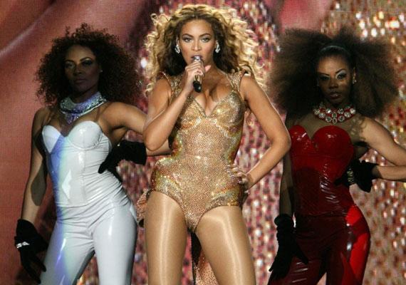 Bár hivatalosan nem tiltották ki, Beyoncénak kétszer is le kellett mondania malajziai koncertjét, miután nem tudott megegyezni a hatóságokkal abban, hogy mit tehet és főleg mit viselhet a színpadon.