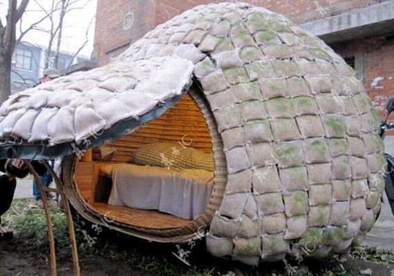 Ezt a tojás alakú lakást Daihai Fei kínai dizájner tervezte. Ugyan kicsit nagy, de szigetelt és vízálló is egyben.