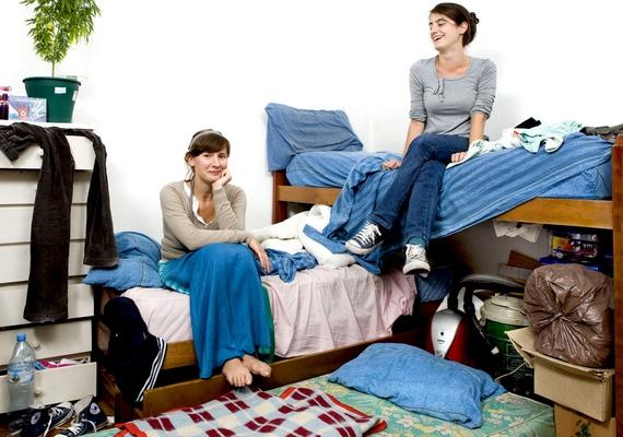 Carla and Mariana, a 26 éves argentin ikerpár megosztja egymással a szobát.