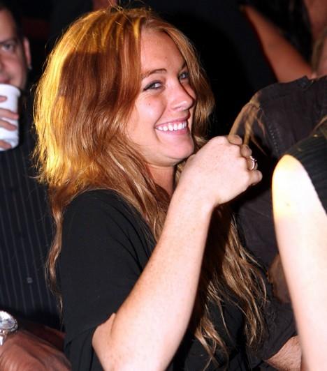 Lindsay LohanA vörös hajú lány édes gyerekszínészből ámokfutó kábítószeressé vált. Számos botránya után azonban úgy tűnik, most végre sikerült valamennyire lenyugodnia és összeszednie magát.Kapcsolódó cikk:Lindsay Lohan új külseje»