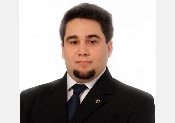Németh Zsolt szintén a Jobbik színeiben indult a választásokon, 1984-ben született. 2009 elején a Baranya megyei választmány választotta elnökének.