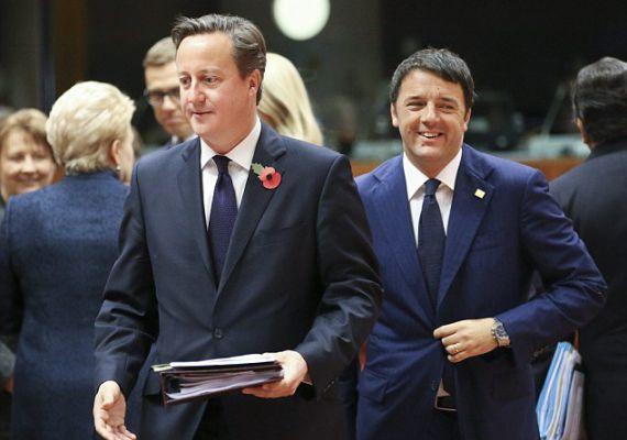 David Cameron brit és Matteo Renzi olasz miniszterelnök szemmel láthatóan igen vidáman érkezik az ülésre. Cameron később békejobbot nyújtott, de be is olvasott Vlagyimir Putyinnak amiatt, hogy az orosz elnök támogatta és támogatja is a szír Aszad elnököt.