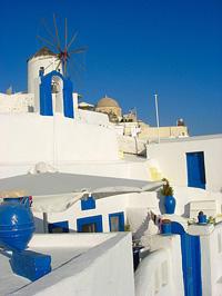 Hófehér falak egy csipetnyi kékkel