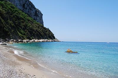 A színtiszta, türkiz tenger