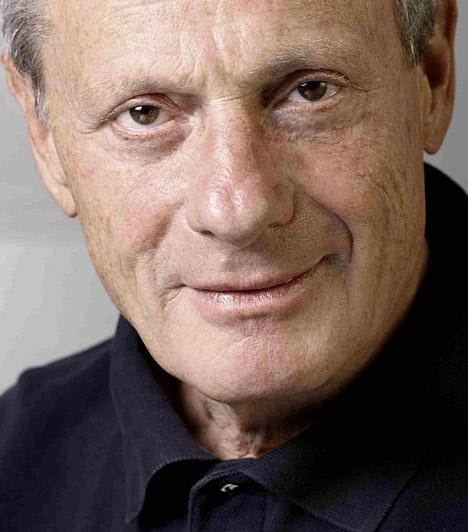 Bálint András  1943. április 26-án született Pécsen. 1965-ben végzett a Színház- és Filmművészeti Főiskolán, majd ezután a Pécsi Nemzeti Színházhoz szerződött. 1969-től a Madách Színház, 1985 óta a Radnóti Színház igazgatója. 1983 óta tanít a Színház- és Filmművészeti Főiskolán. A Kossuth-díjat 2003-ban vehette át.