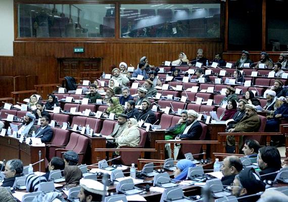 A képen az afgán országgyűlés látható. Afganisztánt már 2010-ben is a harmadik legkorruptabb országnak választották.