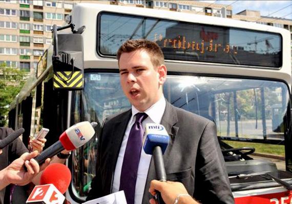 A 28 éves Vitézy Dávid a Műegyetemről gyakorlatilag rögtön a BKK vezetői székébe ült. Gyerekkorában buszsofőrnek, később forgalomirányítónak készült. A magazin szerint Vitézy az egyetlen, akinek engedélyt kellett kérnie a listán való szerepléshez, ugyanis a főpolgármester, Tarlós István dönti el, hogy a BKK vezér mikor és hol szerepelhet nyilvánosan.