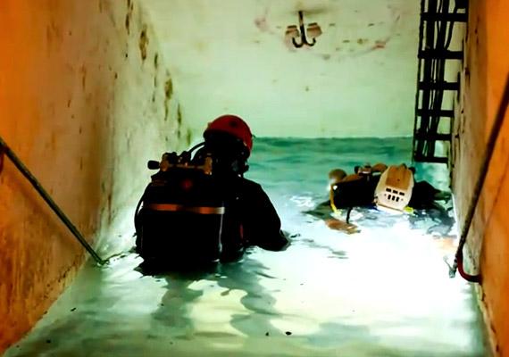 A lejárat téglalépcsői ma kristálytiszta vízbe futnak; a gépház romjainak különleges, víz által birtokba vett világát búvárok segítségével tárják fel.