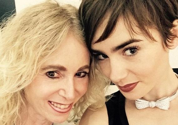 Egy korábbi fotón is szembetűnő az egyezés, csak annyi a különbség, hogy Jillnek világosabbak, Lilynek sötétebbek a színei.