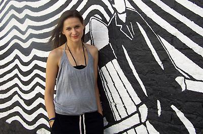 Németh Juci a Radiohead stúdiója előtt