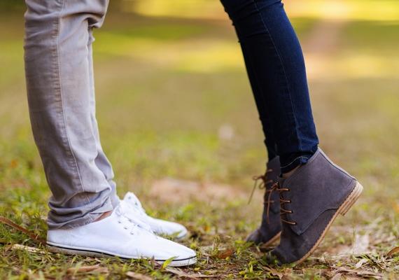 A pártalálás sem egyszerű, és bár a szerelem nem méret kérdése, mégis örülsz, ha olyan pasit találsz, aki cipőben is legalább olyan magas, mint te.
