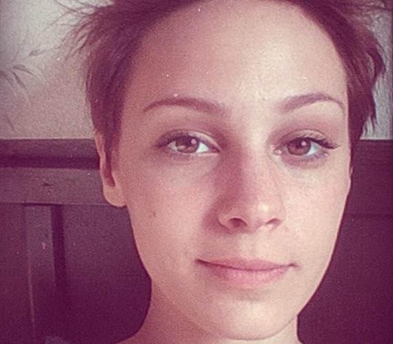 Kováts Vera sosem csinált gondot abból, ha smink nélkül kellett megjelennie: a 20 éves énekesnő mindig is természetes szépség volt.