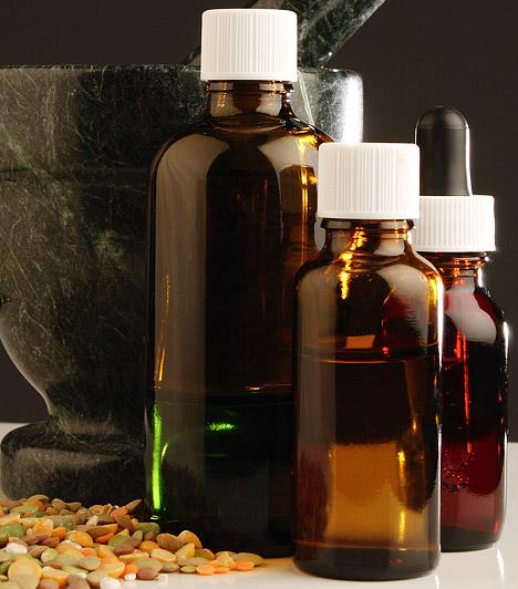 Béres-csepp  Béres József 1972-ben alkotta meg a Béres-cseppet, mely speciális formában tartalmaz nyomelemeket és ásványi anyagokat. Találmányáért kezdetben kuruzslással vádolták, de miután 1976-ban végül bejelentette a szabadalmat, elcsitultak körülötte a kedélyek. A készítmény 1978-ban került forgalomba, 2000 óta pedig hivatalosan is gyógyszernek minősül.