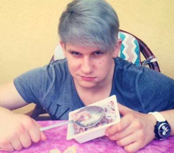 - Olivér eszik, ez nem meglepő - írta egy rajongó a fotó alá.