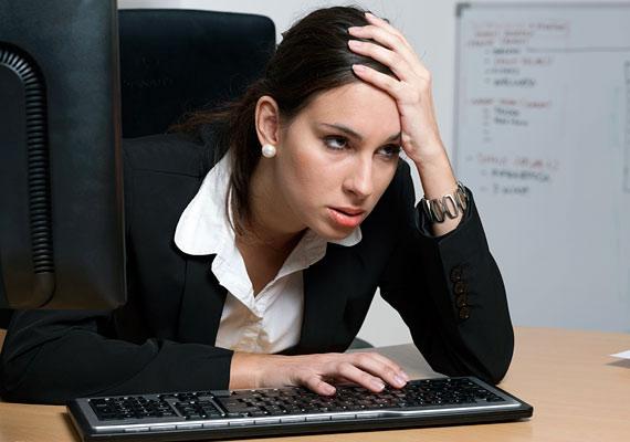 Ha a főnököd a kákán is csomót keres, és a tökéletesen elvégzett munkádban is hibát talál, valószínű, hogy már régen döntött az elbocsájtásodról, és most csak megfelelő indokot keres rá.