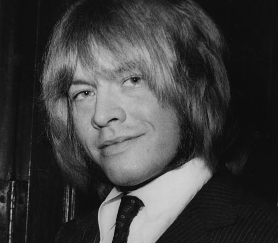 A Rolling Stones egyik alapítója, Brian Jones 1969-ben halt meg, saját medencéjébe fulladt bele.