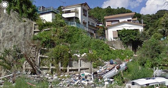 A képeket több weboldalon is arra használják, hogy összehasonlítsák a cunami előtti és utáni tájat.