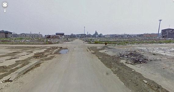 A katasztrófa után több ezer kilométeren keresztül csak kihalt utakat lehetett látni.