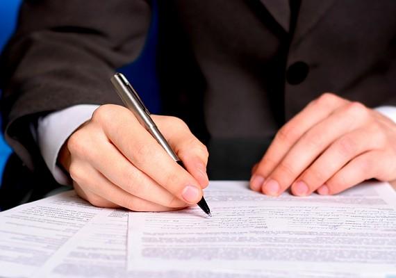 Betétkönyvet az OTP Bank fiókjaiban és a postákon válthatsz.