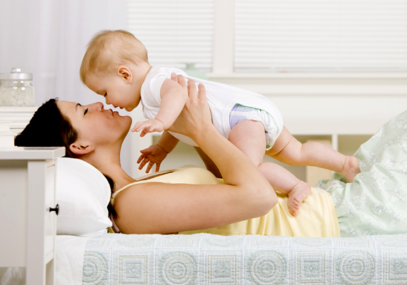 A nők a munkaerőpiacról is könnyebben kieshetnek, főként a gyermekvállalás miatt.