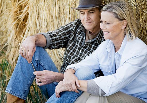 A középkorú nők és férfiak a nyugdíj előtt állva általában hangsúlyt helyeznek arra, hogy nagyobb összegű megtakarításuk legyen.