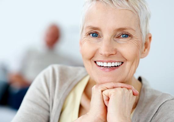 Az önkéntes nyugdíjpénztár révén havi befizetések, illetve azok hozama által takarékoskodhatsz nyugdíjaséveidre.