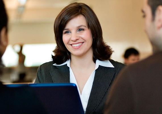 Hosszú távú kapcsolatot alakíthatsz ki a szakemberrel, akit kérdéseiddel igény szerint többször is felkereshetsz.