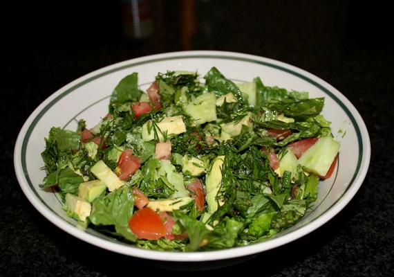 Étkezz egészségesen! Iktass be vitamindús ételeket a zsíros, nehéz fogások helyett. Ez a közérzeteden és a hormonszinteden is javít.