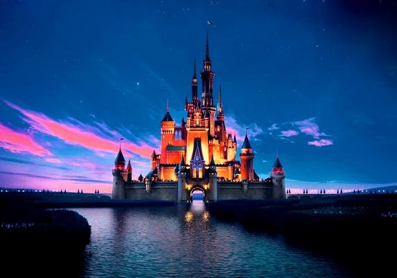 A Disney pompás kastélyát mindenki ismeri.Kattints ide a nagyobb felbontású képért! »