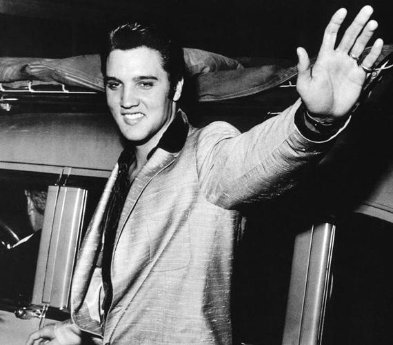 Elvis Presley-t is sokan látták állítólagos halála után feltűnni. Vannak, akik úgy vélik, koporsójába csupán egy viasztestet fektettek.