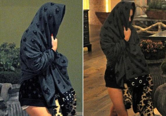 Miley Cyrus csütörtök este egy takaróval a fején hagyta el a londoni hotelt, ahol megszállt.