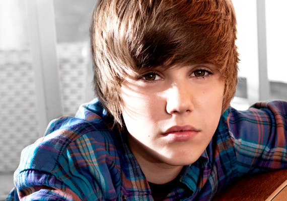 Állítólag a Justin Gastonnal való szakítás hátterében Justin Bieber állt, bár ezt hivatalosan sosem erősítették meg. Vajon tudja ezt Selena?