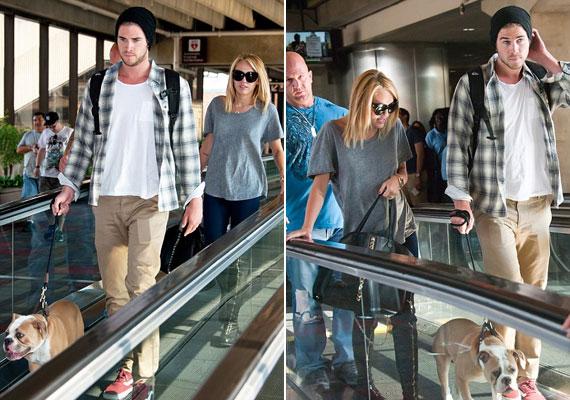 Néhány napja Miley vőlegényével, Liammel sétáltatta közös kutyájukat.