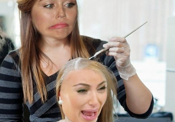 Ezt a photoshopolt képet osztotta meg Miley, amelyen ő a fodrász, Kim pedig nem örül túlzottan annak, amit a tükörben lát.