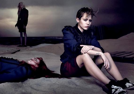 A harsány Miley ezúttal komor hangulatú fotókon pózol.