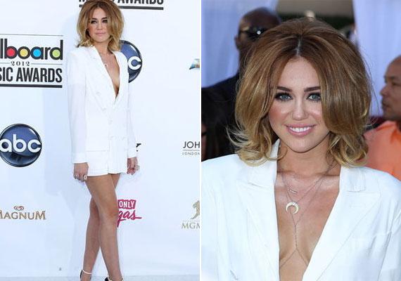 A Billboard díjátadóján merész ruhában, igazi bombanőként jelent meg.