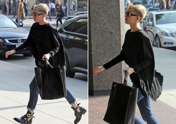 Miley-t az utcán kapták lencsevégre a napokban, és a haja rövidebb, mint valaha. Vajon miért vágatta le ennyire?