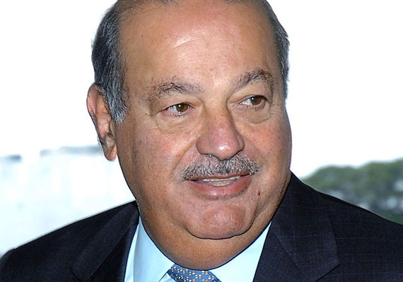 Carlos Slim Helu vagyona 72 milliárd dollárra rúg. A mexikói úr telekommunikációs cégekben utazik, övé a Telmex, az América Móvil és a Grupo Carso. Slim Mexikó elitképzőjébe, a Mexikói Autonóm Nemzeti Egyetemre járt, ahol építőmérnökként szerezett diplomát.