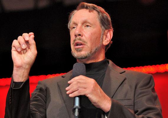 Larry Ellison kétszer is beiratkozott a felsőoktatásba, ám egyszer sem szerzett diplomát. Az Illinois-i Egyetem után a Chicagói Egyetemtől is idő előtt búcsúzott, hogy a vizsgák helyett Kaliforniába költözzön, és megismerkedjen az akkor éledező informatika világával. Később a vállalati programokat gyártó Oracle megalapításával 48 milliárd dolláros vagyonra tett szert.