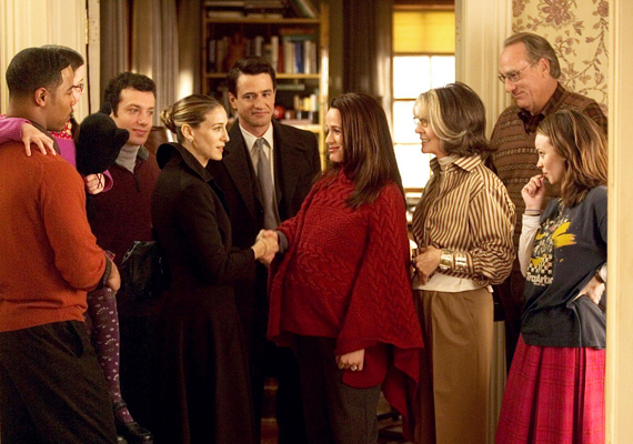 A Kőkemény családban Sarah Jessica Parkernek kell megküzdenie vőlegénye családjával, mindezt a szeretet ünnepén.