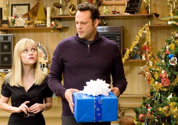 A Reese Witherspoon és Vince Vaughn szereplésével készült Négy karácsony az ünnep környéki családi vendégeskedéseket mutatja be testközelből.