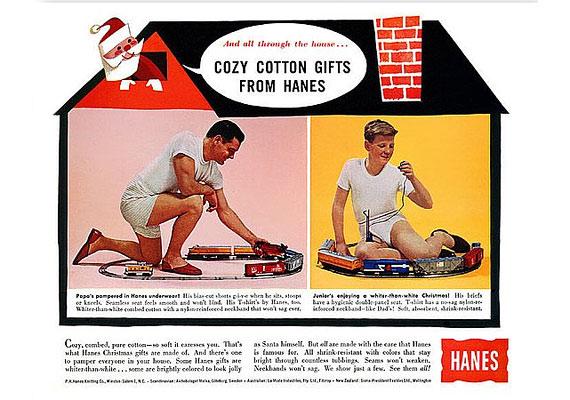 Ki ne vágyna arra, hogy karácsony reggel a pasija ilyen pamutalsóban vonatozzon?