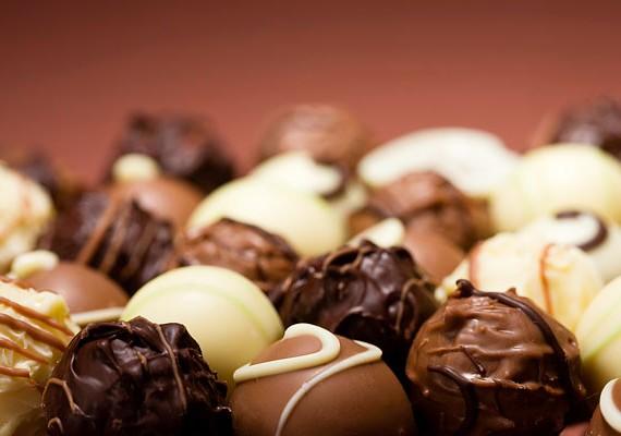 A menstruáció időszaka alatt a hormonok miatt gyakran megkívánhatod az édességet. Ilyenkor megengedett a nassolás, mert a szervezetednek szüksége van rá.