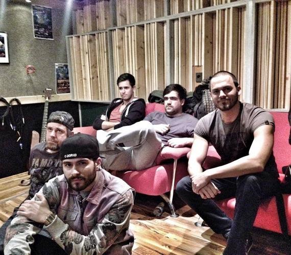 A zenekar 2010 májusban rögzítette első, Under Pressure című dalát.