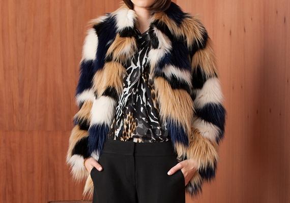 A legtöbb idős hölgy szekrényében lóg egy műszőrme kabát, amit csak különleges alkalmakra visel, így valószínűleg megkímélt állapotban van. Csapj le rá!