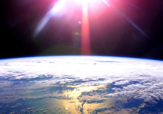 Részlet a bolygónkról. Kattints ide a nagyobb felbontású képért! »