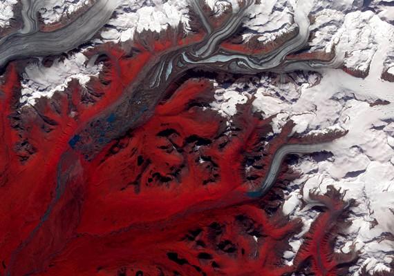 A Susitna-gleccser. Kattints ide a nagyobb felbontású képért! »