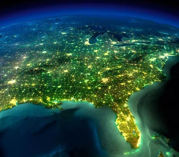 A sűrűn lakott területek felett viszont valódi fényháló jött létre.